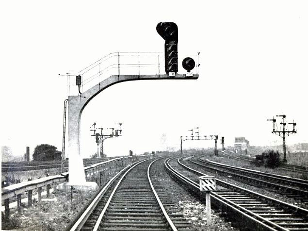 BrickLayers Arms signal - Seventy years of main line signalling in London